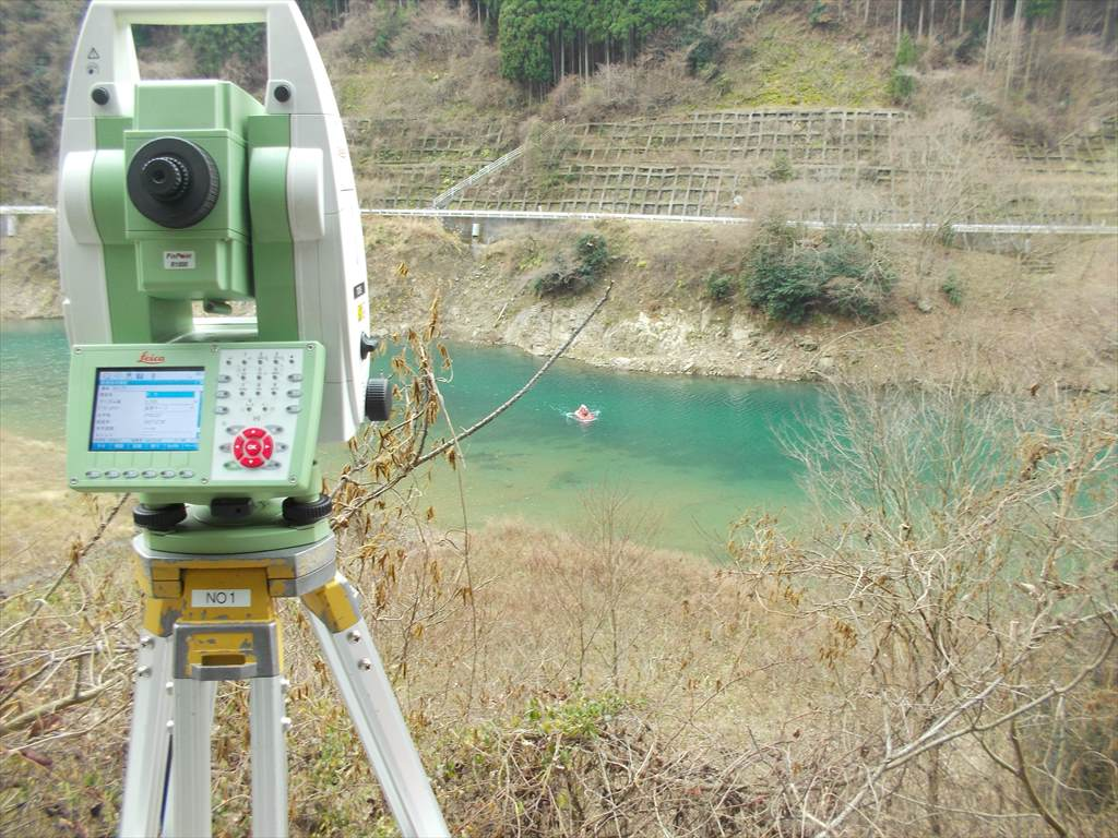 日吉ダム緒呪医池埃砂測量業務のイメージ画像