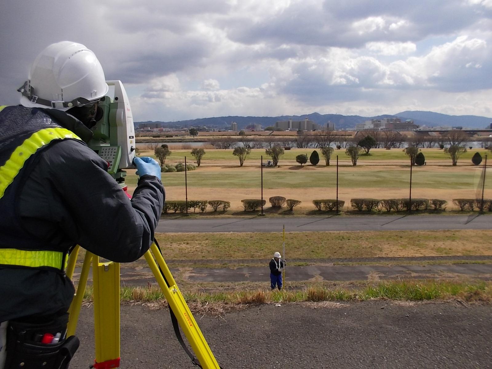 柱本地区堤防強化設計に伴う測量業務のイメージ画像